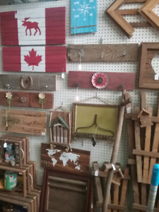 Canadian decor, liveedge, antiques, collectibles plus 1000 booth