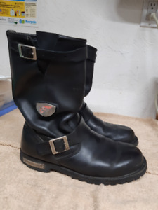 Red River Men Waterproof Motorcycle Boot, v-g condition size 9.5
