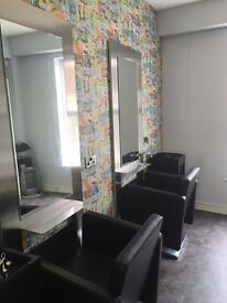 Hairdressing room/ Salon/ Chairs to rent
