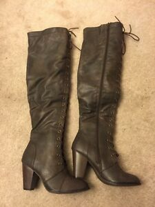 Beautiful tall boots new size 9