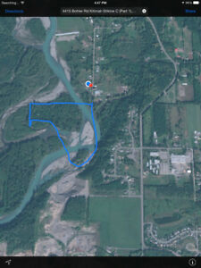 Kalum river property is located 5 minutes from the Skeena !