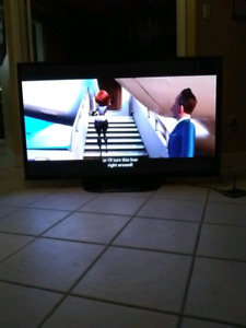 "60"" inch lg tv in perfect condition"
