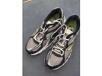 Men's 8.5 Nike trainers