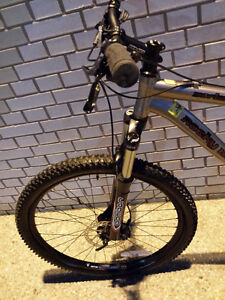Rockymountain,MARZOCCHI,like b new,Hydraulick brake,EXCELLENT Kitchener / Waterloo Kitchener Area image 7