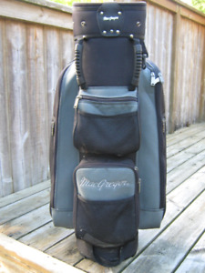 Almost new MacGregor Golf Bag, Grip handles, Wide Strap, Hood