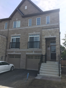 FULLY FURNISHED End Unit Townhouse in AJAX