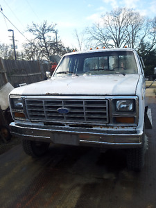 1986 Ford E-250 Pickup Truck