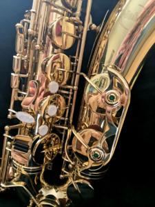 Saxophone tenor de marque Nobel ***En excellente condition***