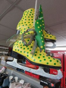 HOCKEY EQUIPMENT & SKATES  COME TO SPORTS SWAPPERS