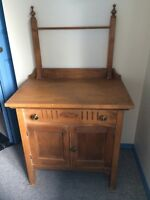 Antique wash stand in excellent condition