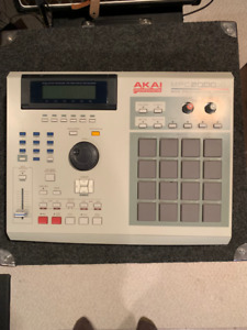 Akai Professional MPC2000XL MIDI Production Center