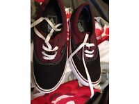 Womans Vans size 5