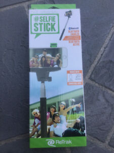 Retrak selfie stick