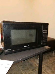 Perfect condition 1200 w  clean Panasonic inverter microwave