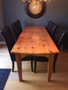 Solid Pine Harvest Dining Table and 6 Leather Chairs