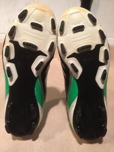 Adidas F5 Outdoor Soccer Cleats Size 6 London Ontario image 3