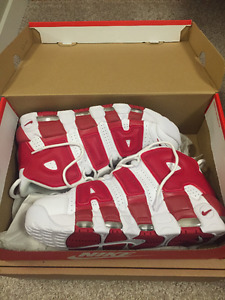 Nike Air More Uptempo US 7.5 White/Red Brand New