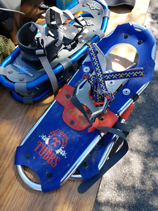 2 sets of kids snowshoes