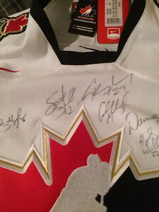 Hockey Jersey Autographed 2007 Women's Hockey Team Kitchener / Waterloo Kitchener Area image 6