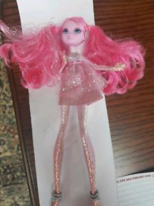 2009 Barbie A Fashion Flairy Shyn'E doll