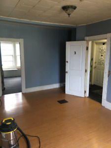 2 Bedroom apartment available Oct 15th
