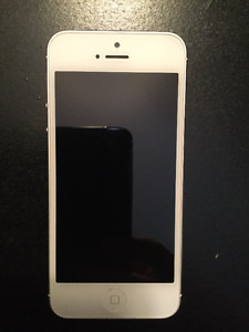 White iPhone 5 16G - Great shape!