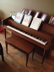Circa 1940s Bell Piano