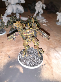 Tau battle suit