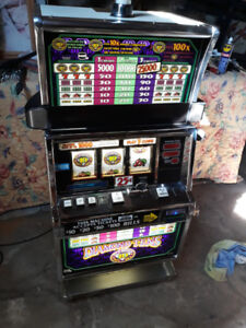 SLOT MACHINE WORKS WITH TOKENS