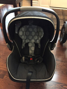 Britax B-Safe Infant Car Seat -plus accessories