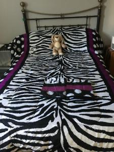 Light Weight Comforter