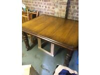 Oak dining table - Victorian