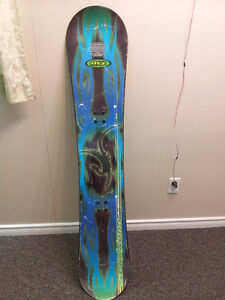 GOOD USED SNOWBOARD(144cm)