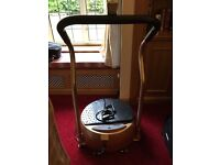 Vibration plate Gold Plus with support bar and power cords. Medicarn.