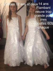 Magnifique 5 robes neuve une Taille 4 ans et deux 12 ans et deux