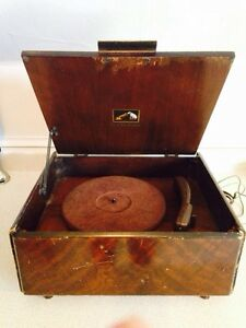 Vintage 1940's RCA Victor V-26 Record Player / Phonograph