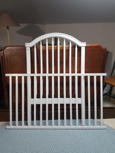 Crib by Little Folks (Like New Condition!)