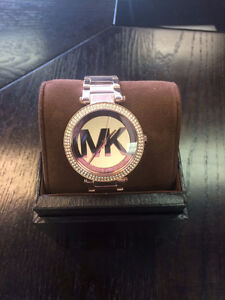 *NEW MICHEAL KORS LADIES WATCH