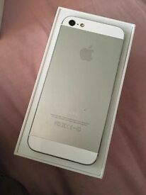 IPHONE 5 16GB *UNLOCKED*