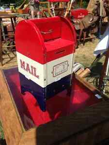 VINTAGE USA TOY SIZED METAL MAIL BOX BANK- PARKER PICKERS  -