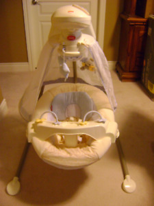 FISHER PRICE CRADLE/SWING