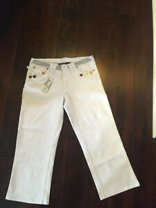 NEVER WORN Brand New White Capris for Sale