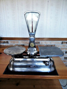 VINTAGE 'EXACT WEIGHT' BALANCE SCALES