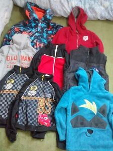 Boys size 5 Outerwear jackets/hoodies