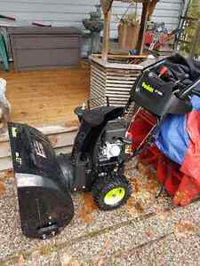 Like New Poulan Model P627eS Snow Blower