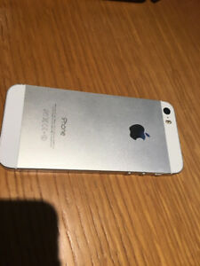 Unlocked White 16 GB Iphone 5S