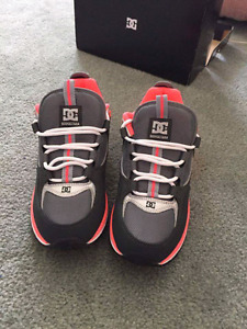 Womens size 9 running shoes
