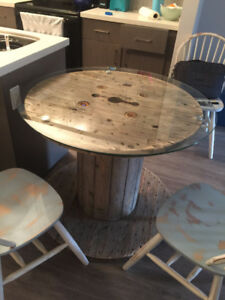 Cable Spool to make a 'shabby-chic' table