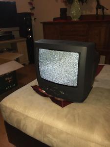 """Télévision 13"""" couleur"""