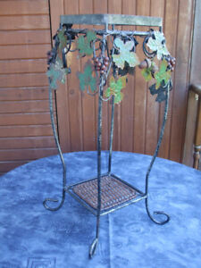 Support pour plante / Plant Stand